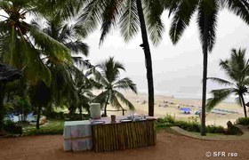 Terrasse am Strand in Kovalam
