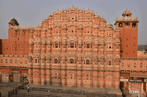 Palace-of-winds-Jaipur